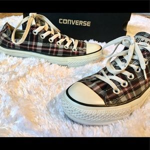 Flannel patterned converse